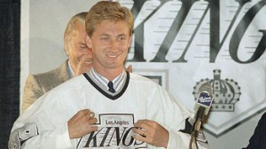 wayne_gretzky_reed_saxon_display_image